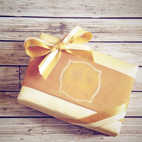 Tus regalos de Navidad con etiquetas adhesivas personalizadas